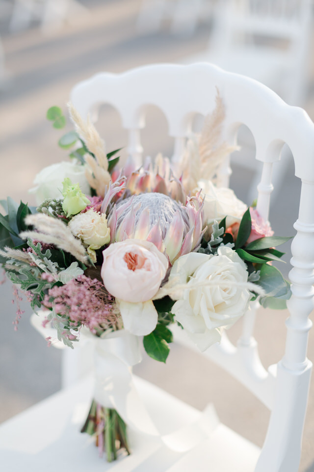 Wedding Flowers: What Brides Should Know best wedding details at church